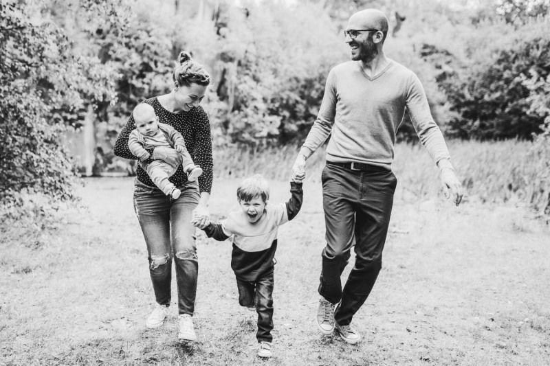 Familienfotograf-Mayen-Koblenz-Fotoshooting-Familienshooting-Outdoorshooting-Kinderfotograf-yvy-anheier-002