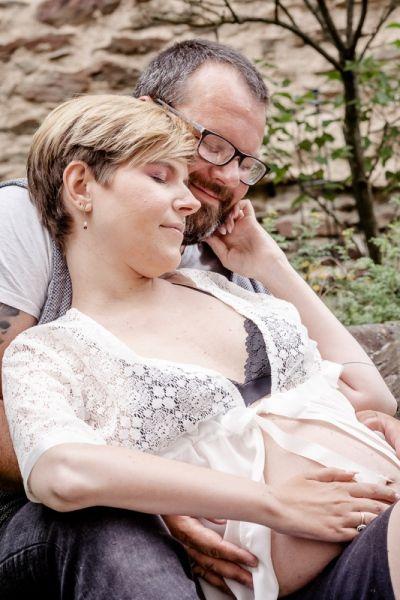 Babybauchshooting-outdoor-yvy-anheier-fotograf-mayen-koblenz-17